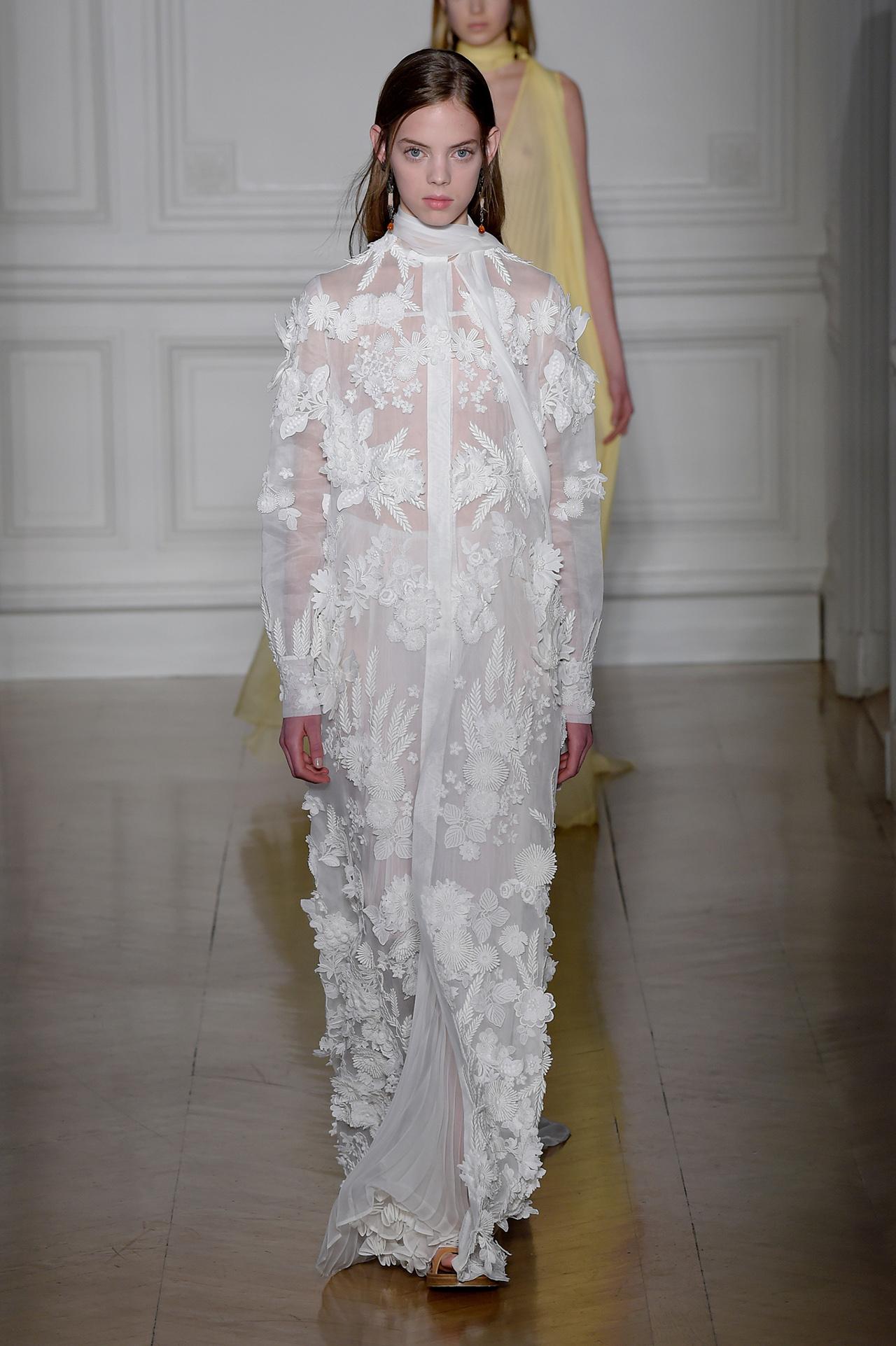 Mariana Zaragoza for Valentino Spring 2017 Couture