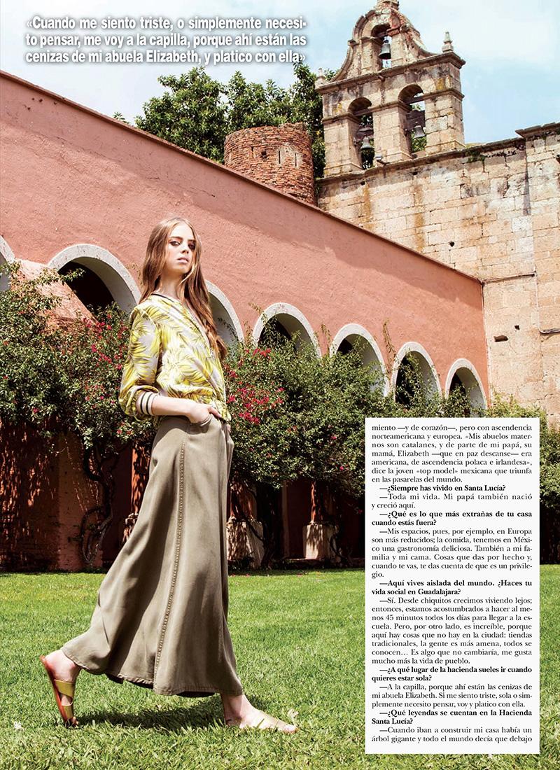 Mariana Zaragoza for Hola Mexico August 2017